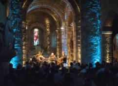 Festival de musique de chambre «Le Vent sur l'Arbre»….Sous les arbres  La folie